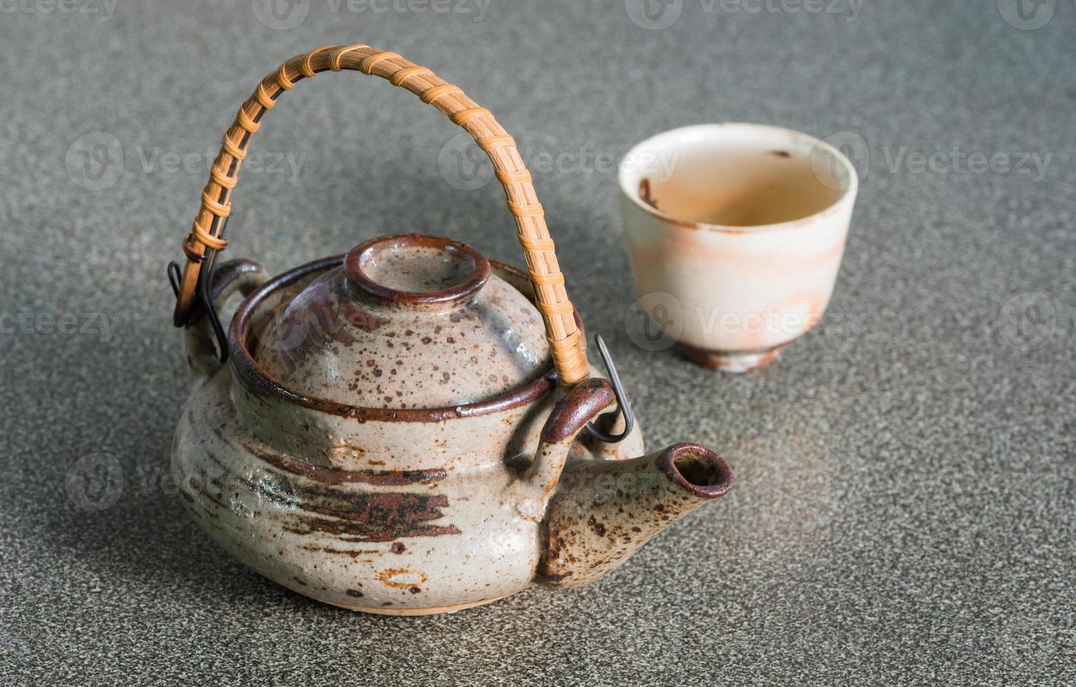 Japanische Teekanne mit Tasse foto