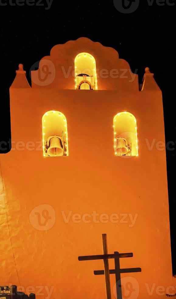 alte Mission Santa Ines Solvang Kalifornien Kreuzglocken Nacht r foto
