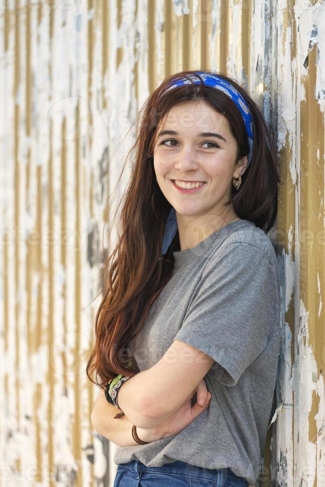schöne lächelnde kaukasische junge Frau pin up Lebensstil. foto
