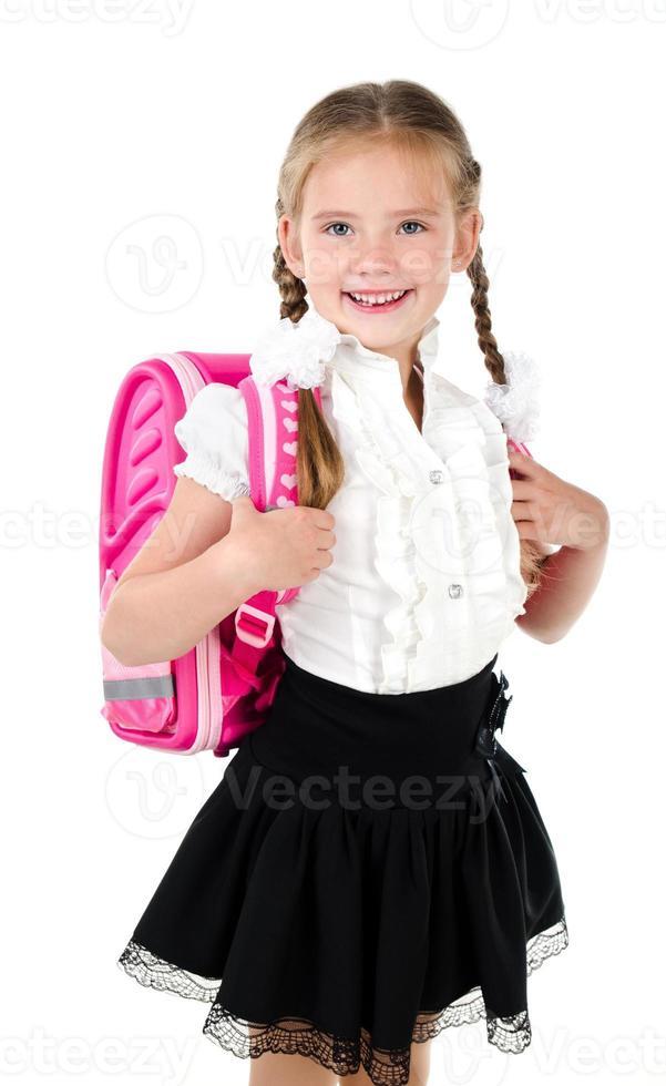 Porträt des lächelnden Schulmädchens mit Schultasche foto