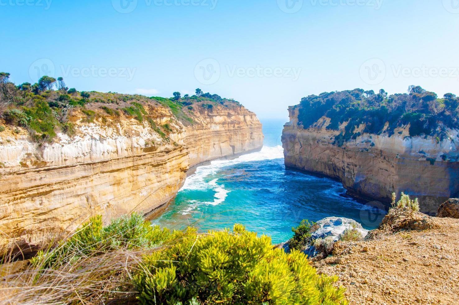 Zwölf Apostel Felsen durch große Ozeanstraße in Victoria, Australien foto