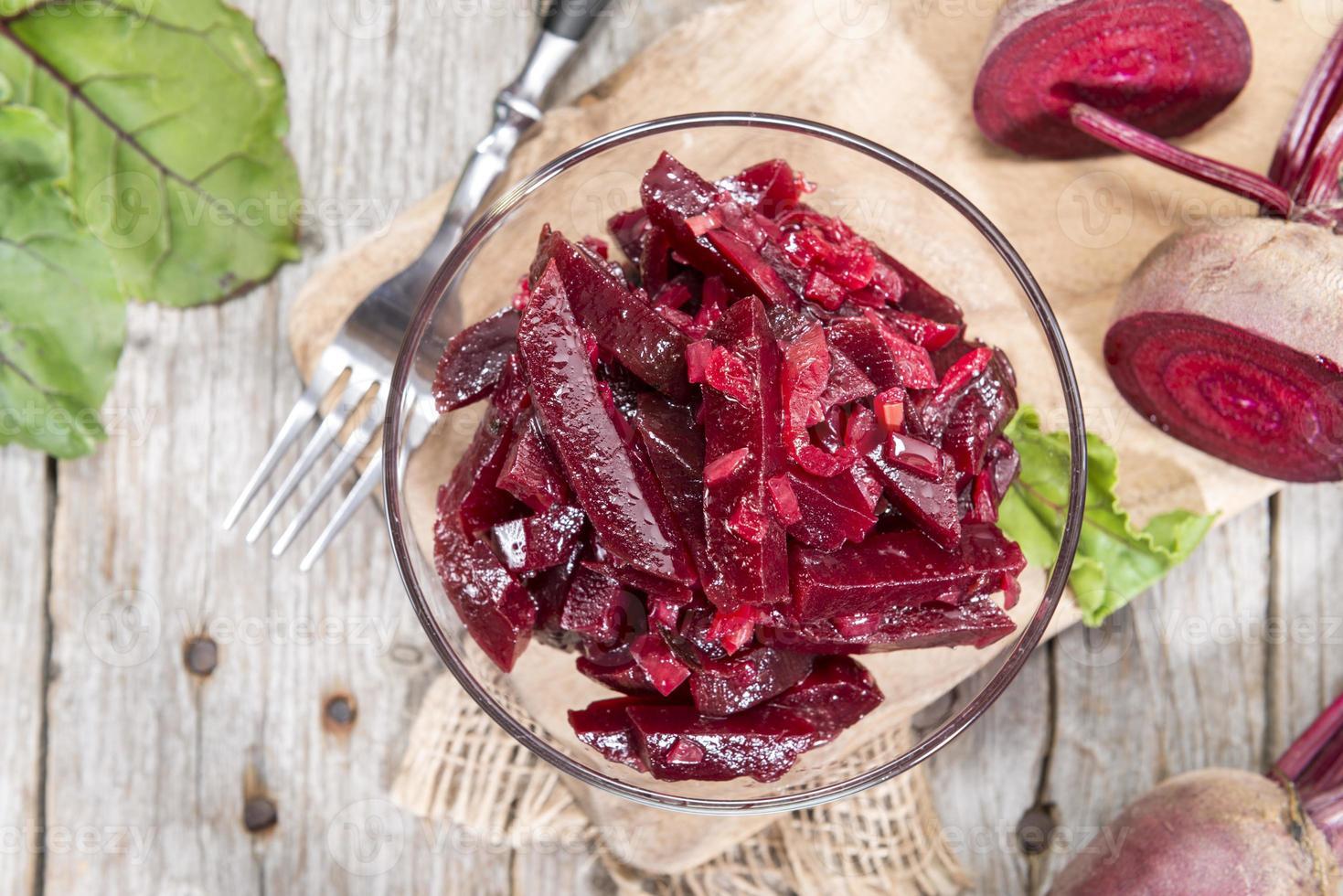 Schüssel mit Rote-Bete-Salat foto
