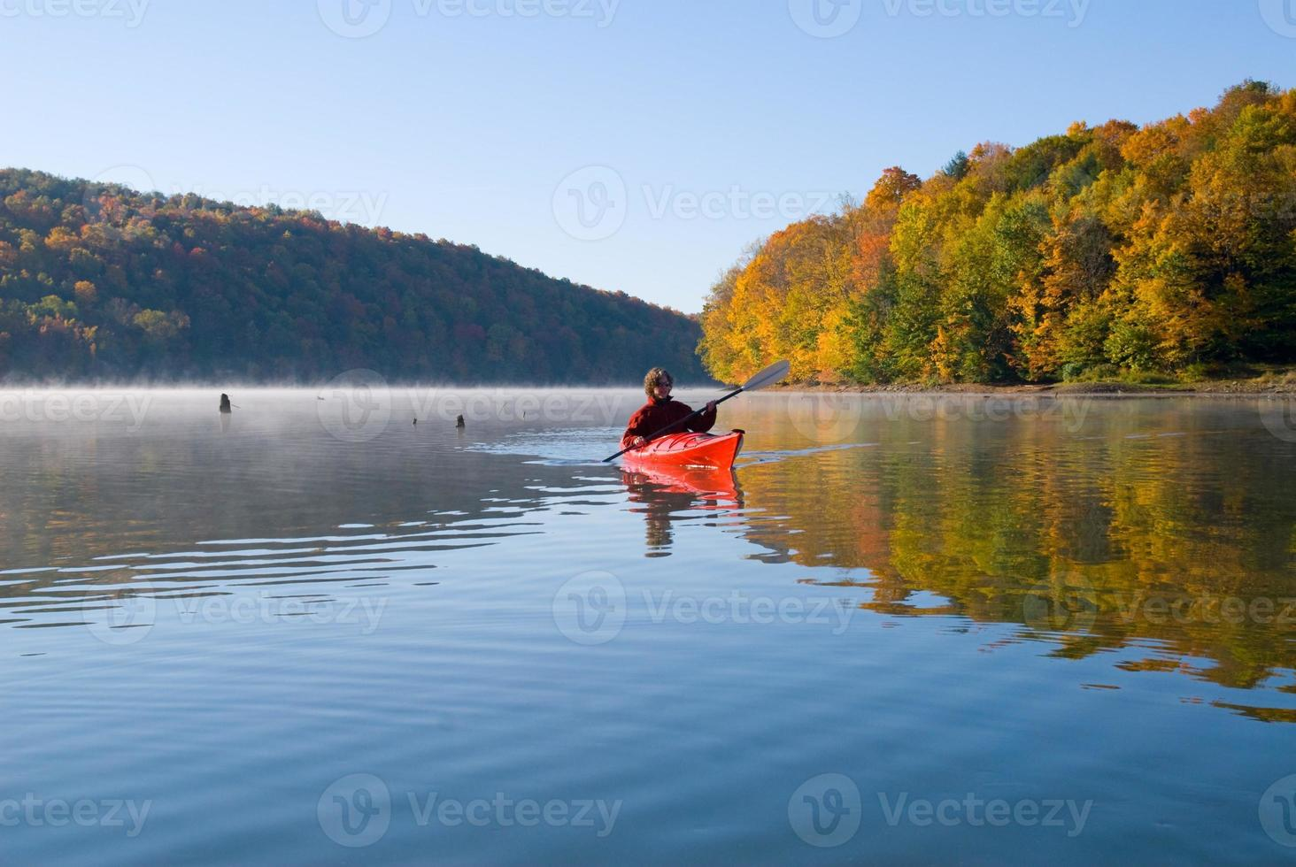 Entspannendes Herbstkajak foto