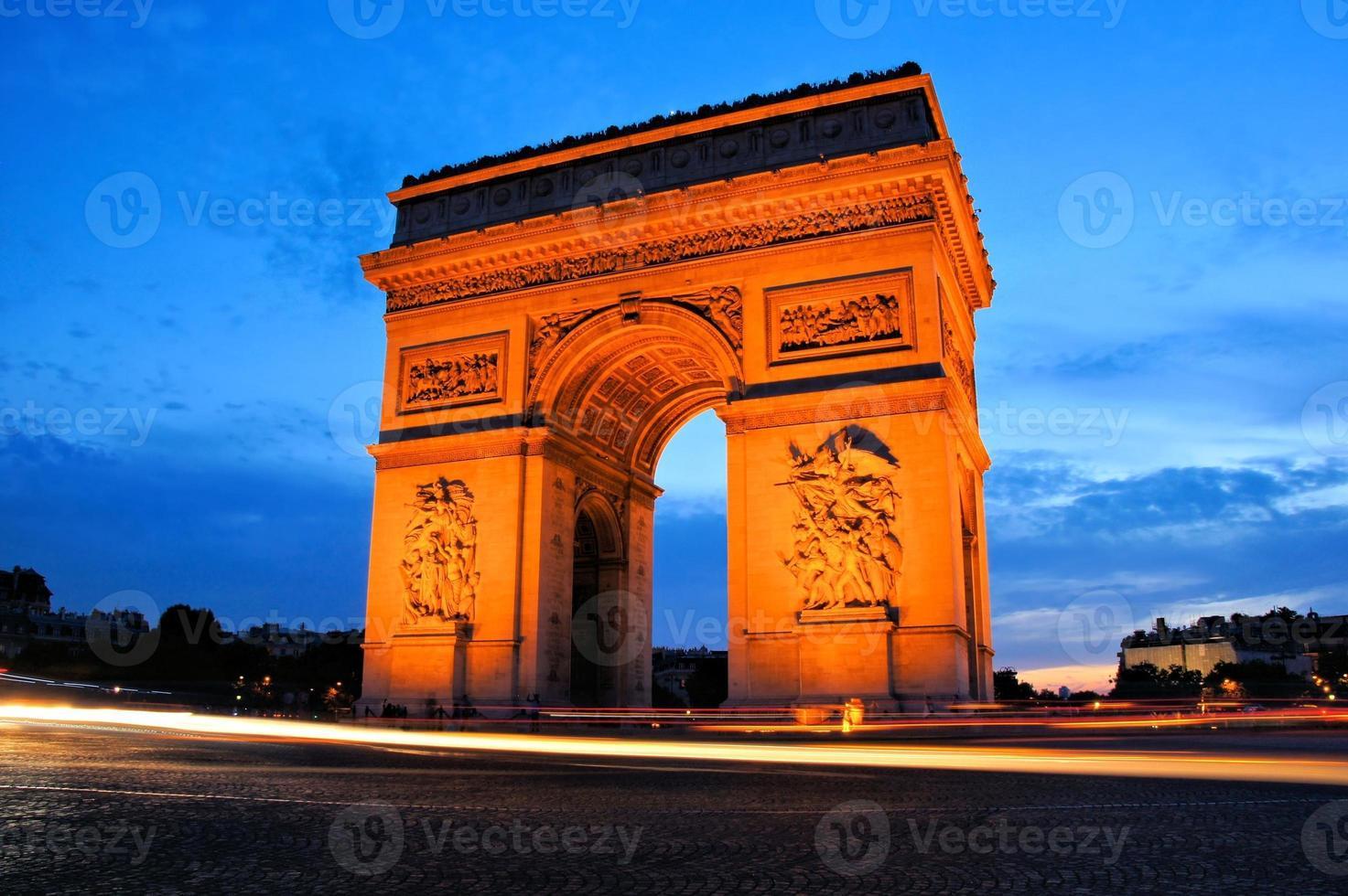 Arc de Triomphe bei Sonnenuntergang, Paris, Frankreich foto