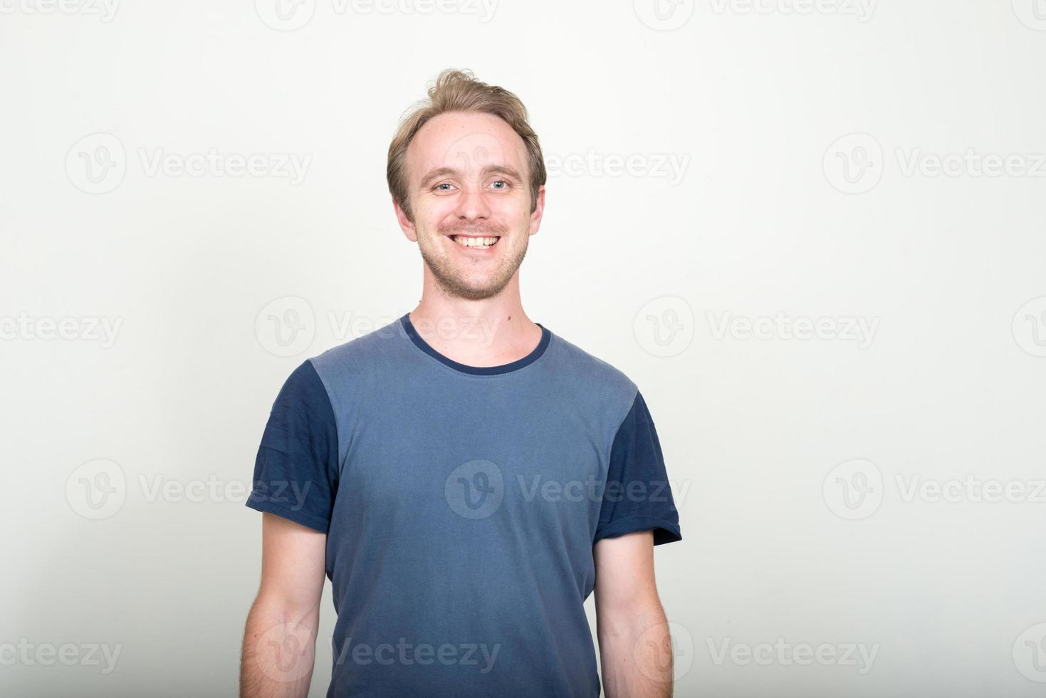 Porträt des kaukasischen Mannes foto