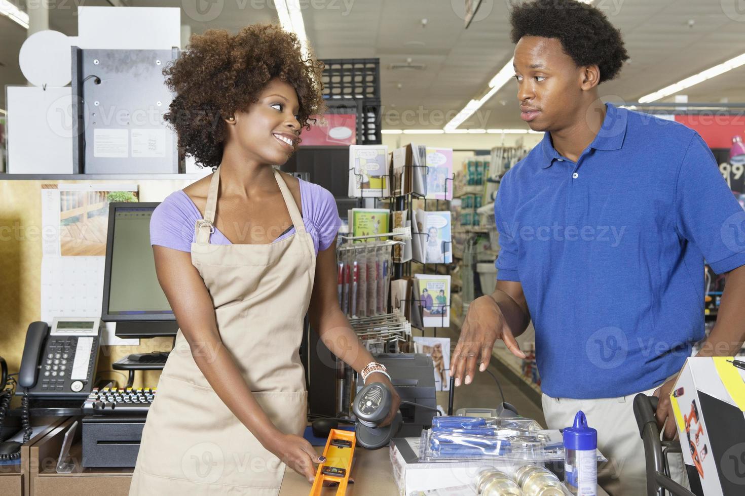 Afroamerikaner Angestellter arbeiten foto