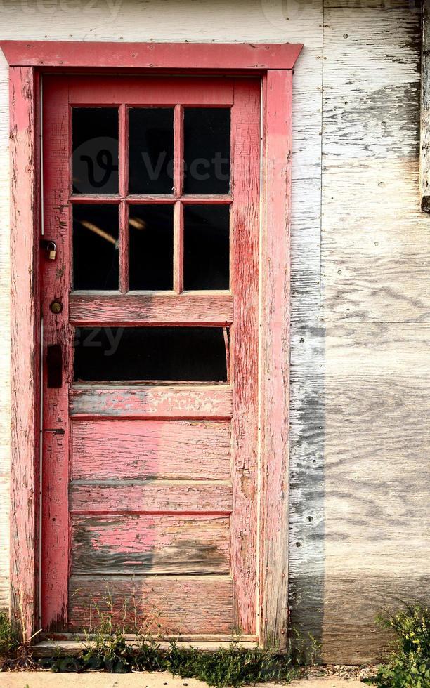 Ein verlassenes Bauernhaus im malerischen Saskatchewan foto