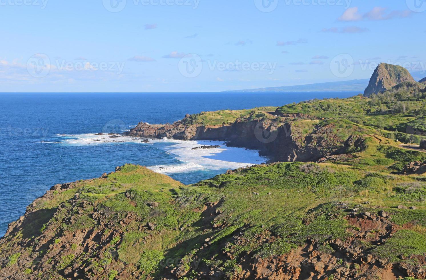 Küste von Maui mit Kahakuloa-Kopf foto