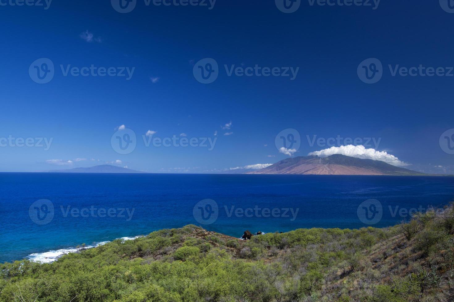West-Maui-Berge vom Südufer, Hawaii, USA foto