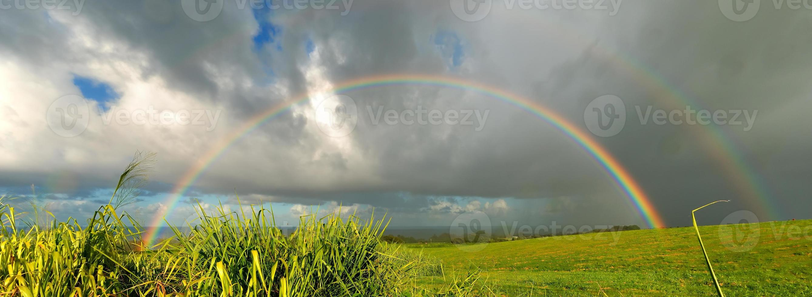 über dem Regenbogen foto