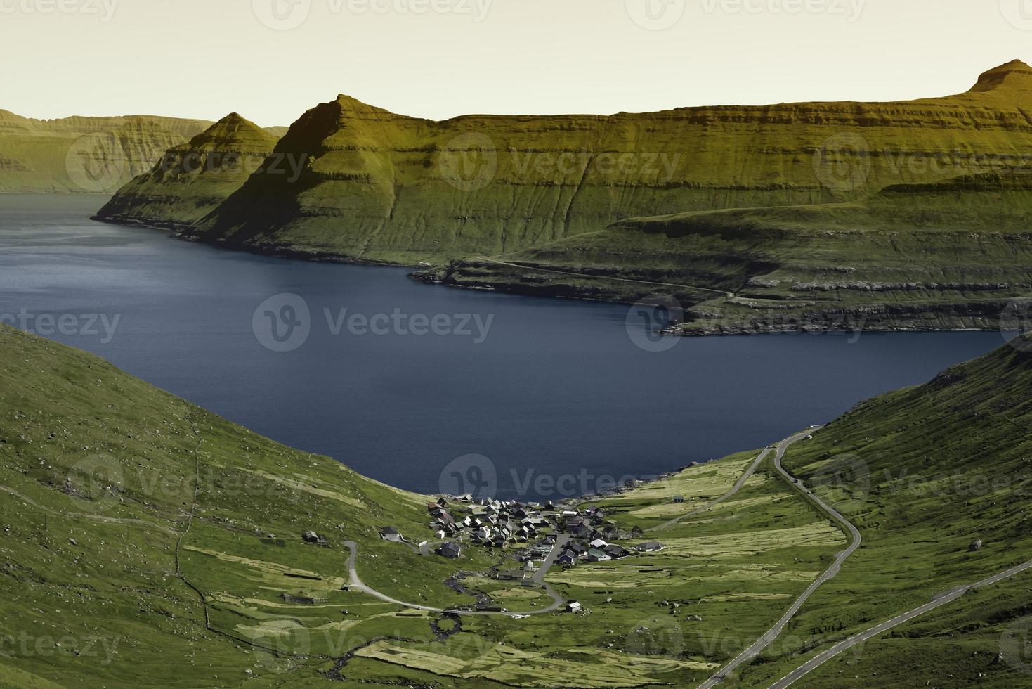 schöne Landschaft auf den Färöern foto