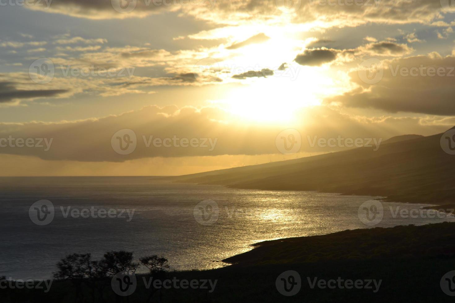 Sonnenuntergang auf dem Weg nach Hana foto
