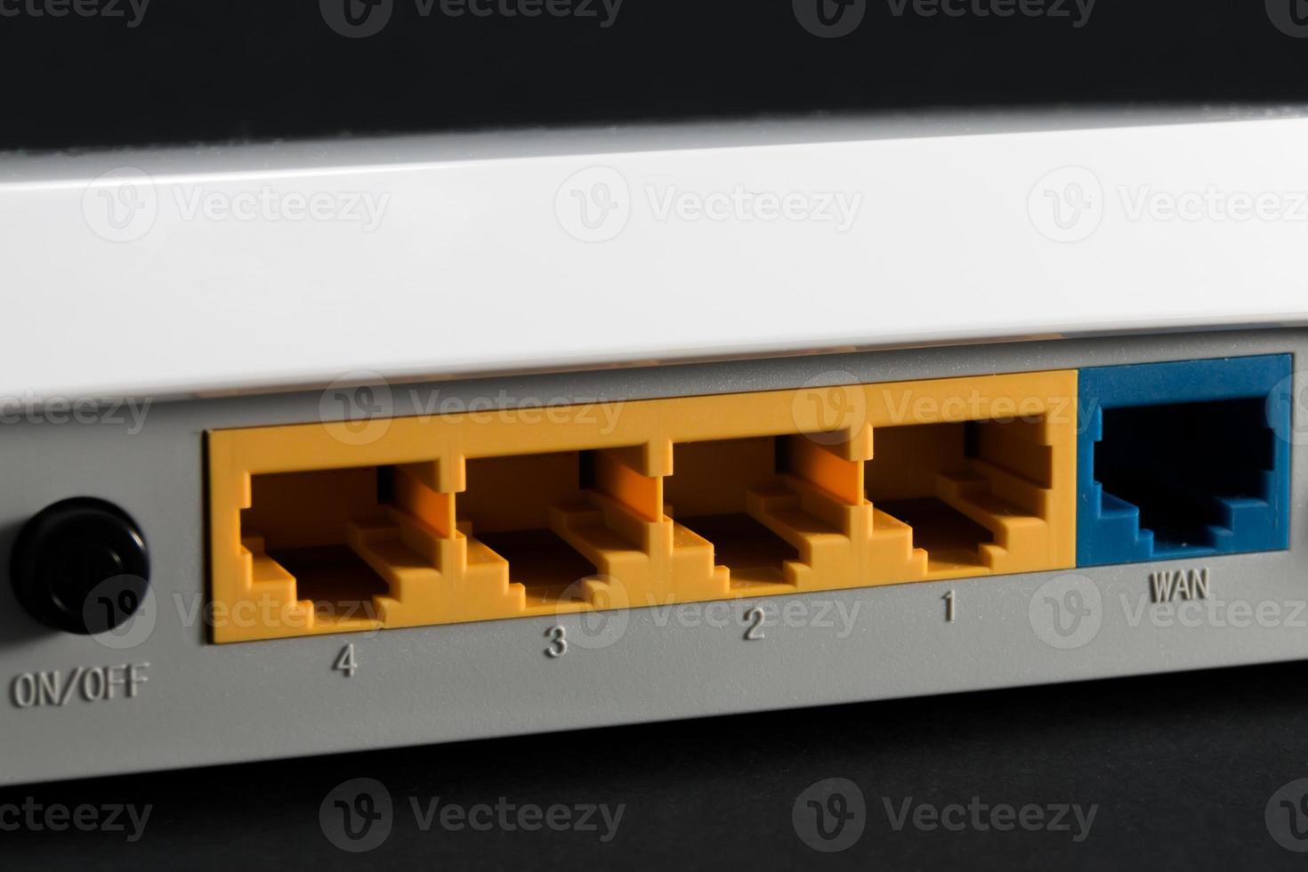 Ethernet-Port auf der Rückseite des Routers foto