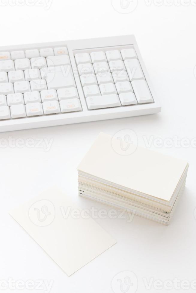 Visitenkarte auf dem Tisch foto