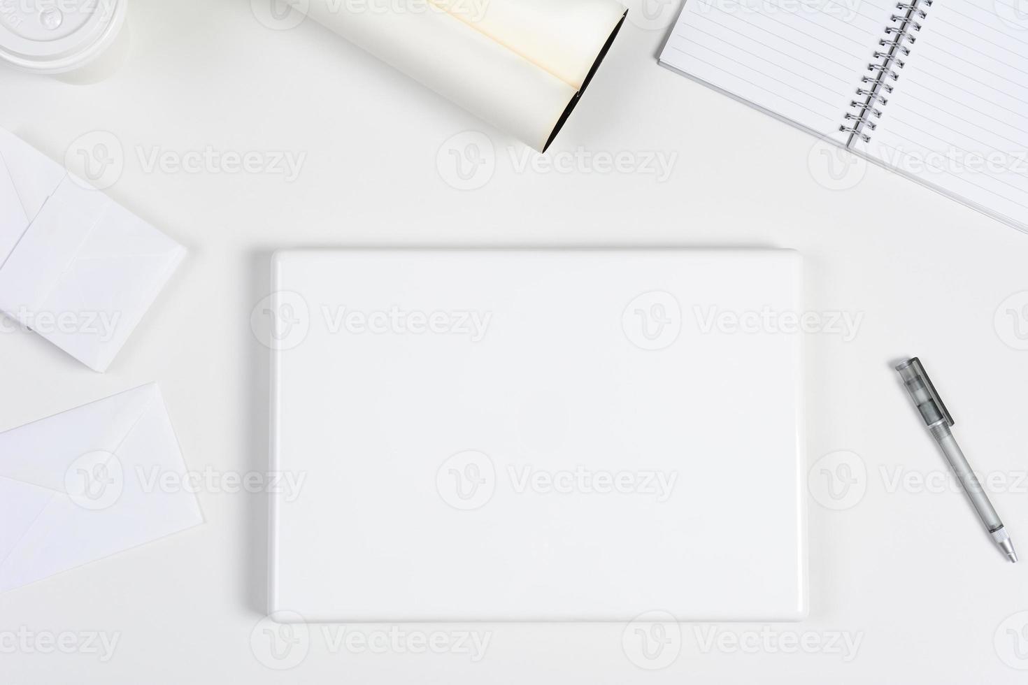 weißer Schreibtisch foto
