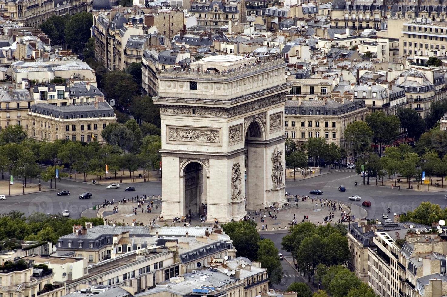 """Blick auf den """"Arc de Triomphe"""". Frankreich foto"""