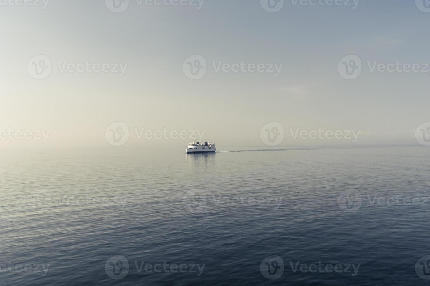 Fähre auf der Ostsee foto