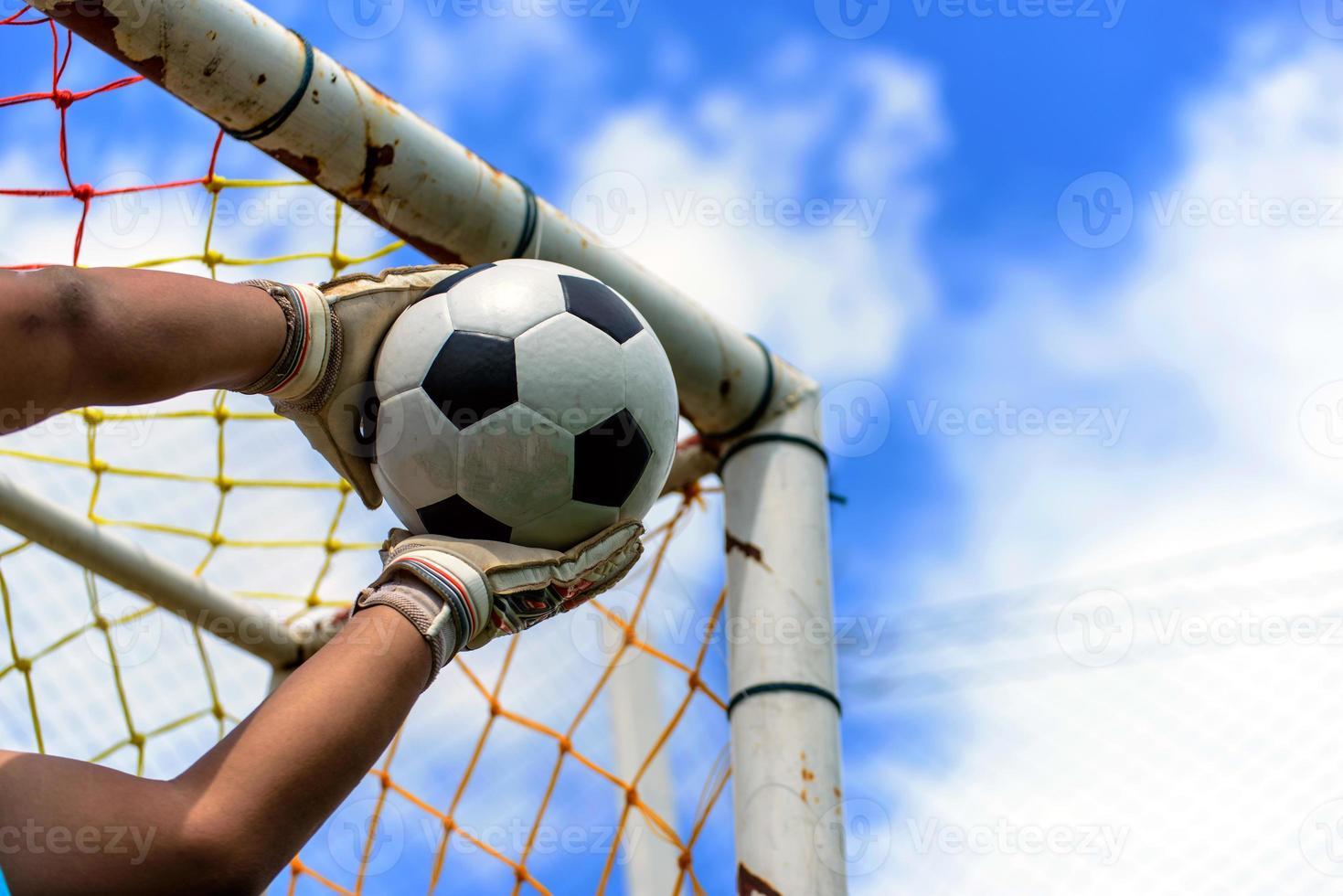 Hände des Fußballtorhüters foto