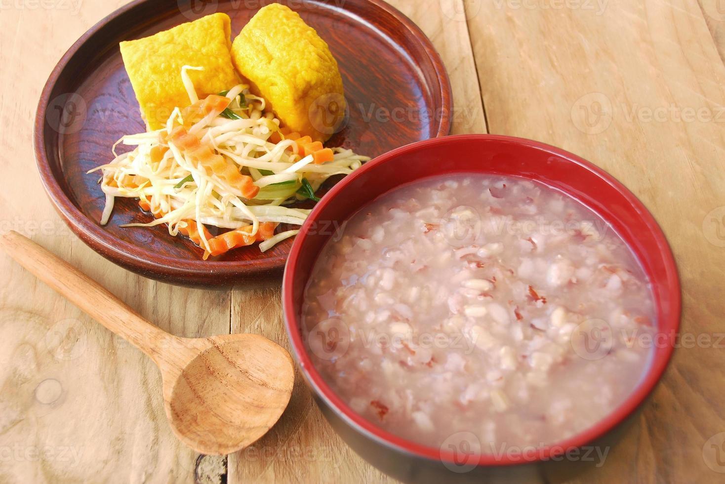 asiatisches gesundes Frühstück foto