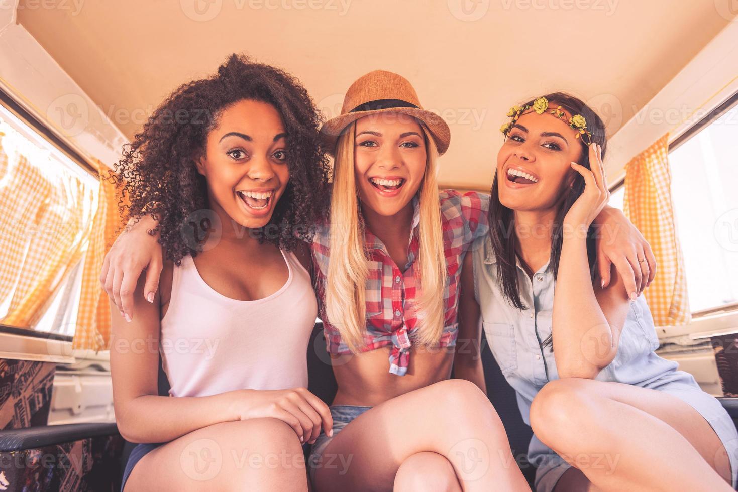 Mädchen wollen einfach nur Spaß haben. foto