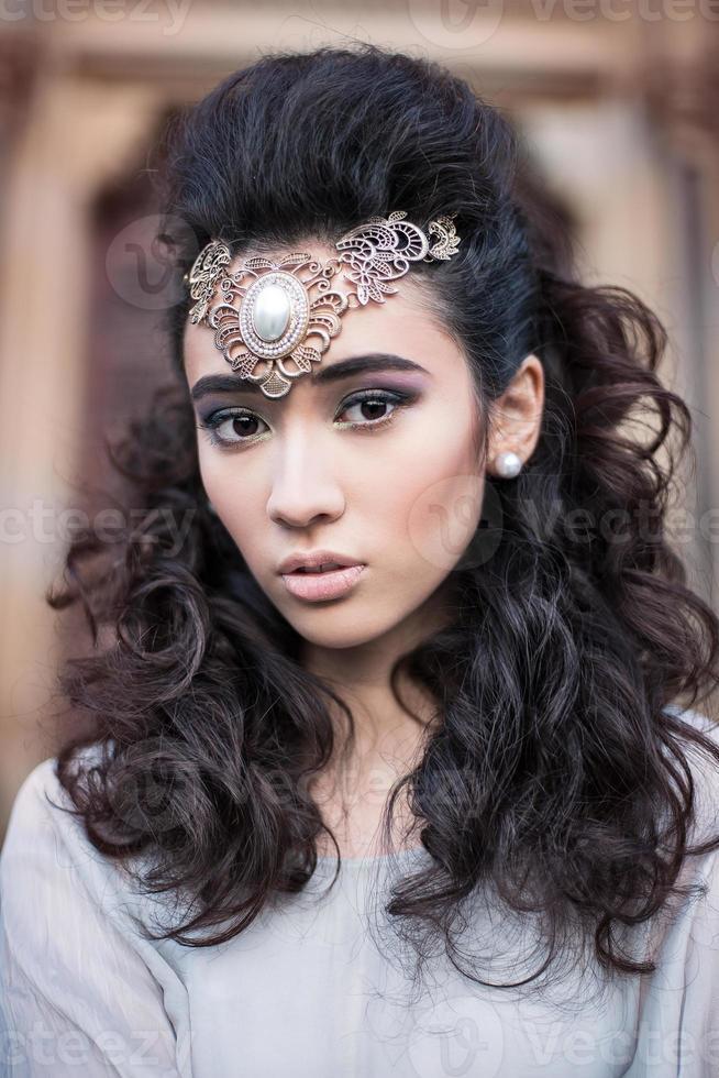 Schönheit arabische Dame in einem sinnlichen Schönheitsporträt foto