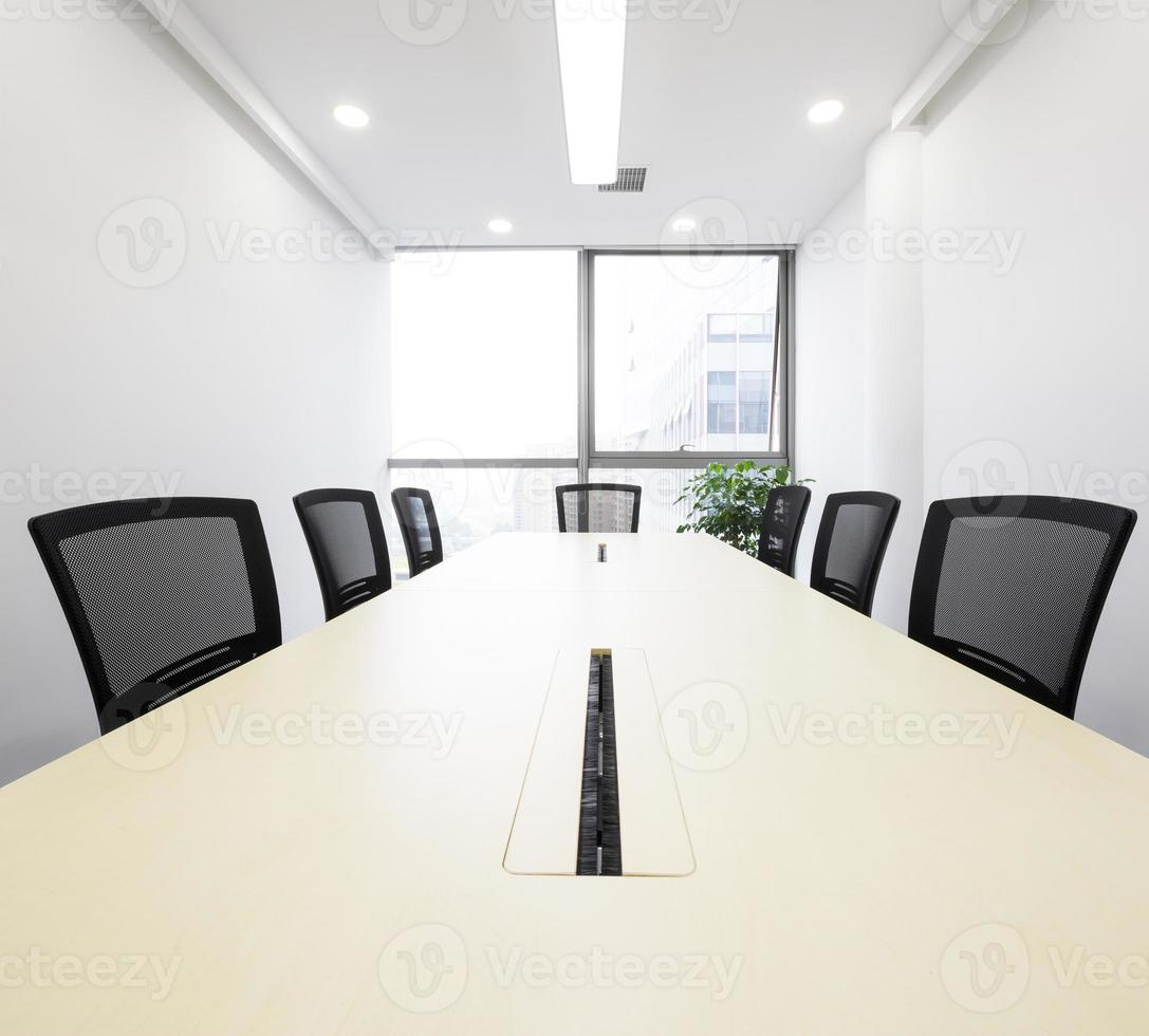 Innenraum des Besprechungsraums im moder Büro foto