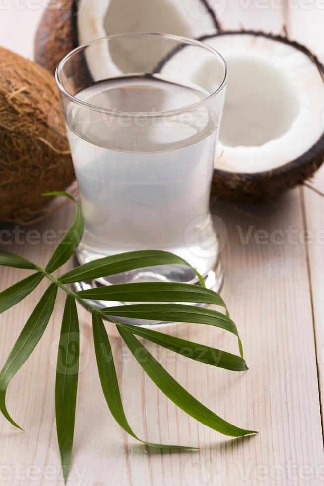 Kokosnuss und Kokosnusswasser foto
