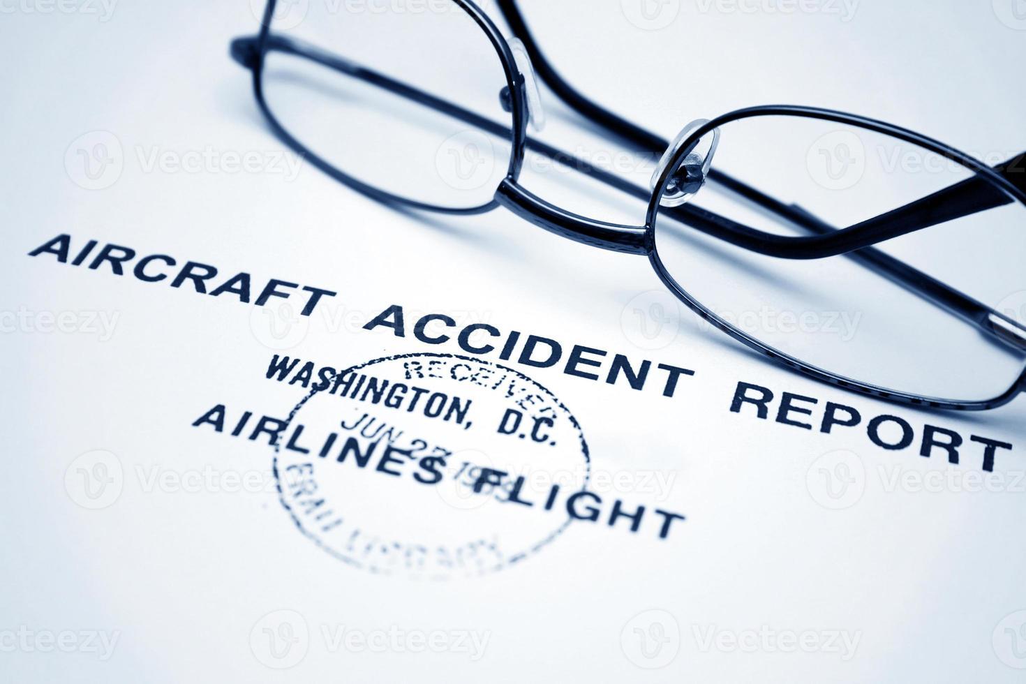 Flugzeugunfallbericht foto