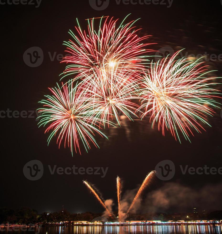 schönes Feuerwerk zur Feier foto