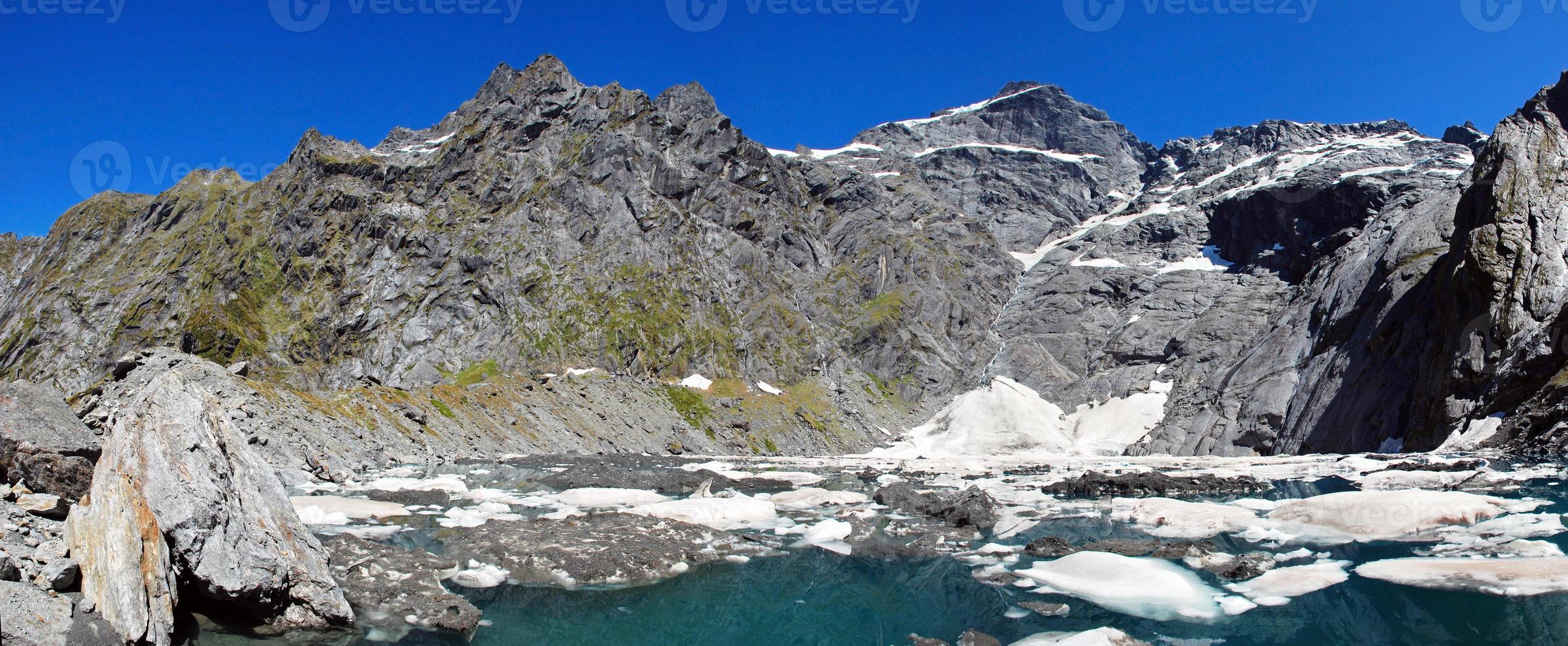 Tiegelsee im Berg aufstrebenden Nationalpark, Neuseeland foto