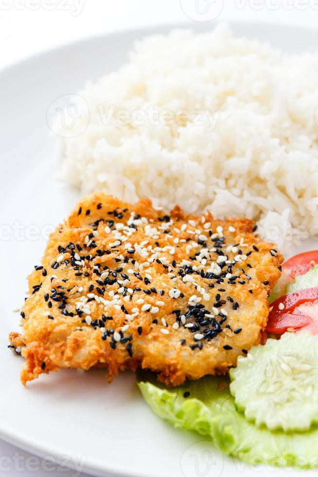 Sesam gebratener Fisch foto