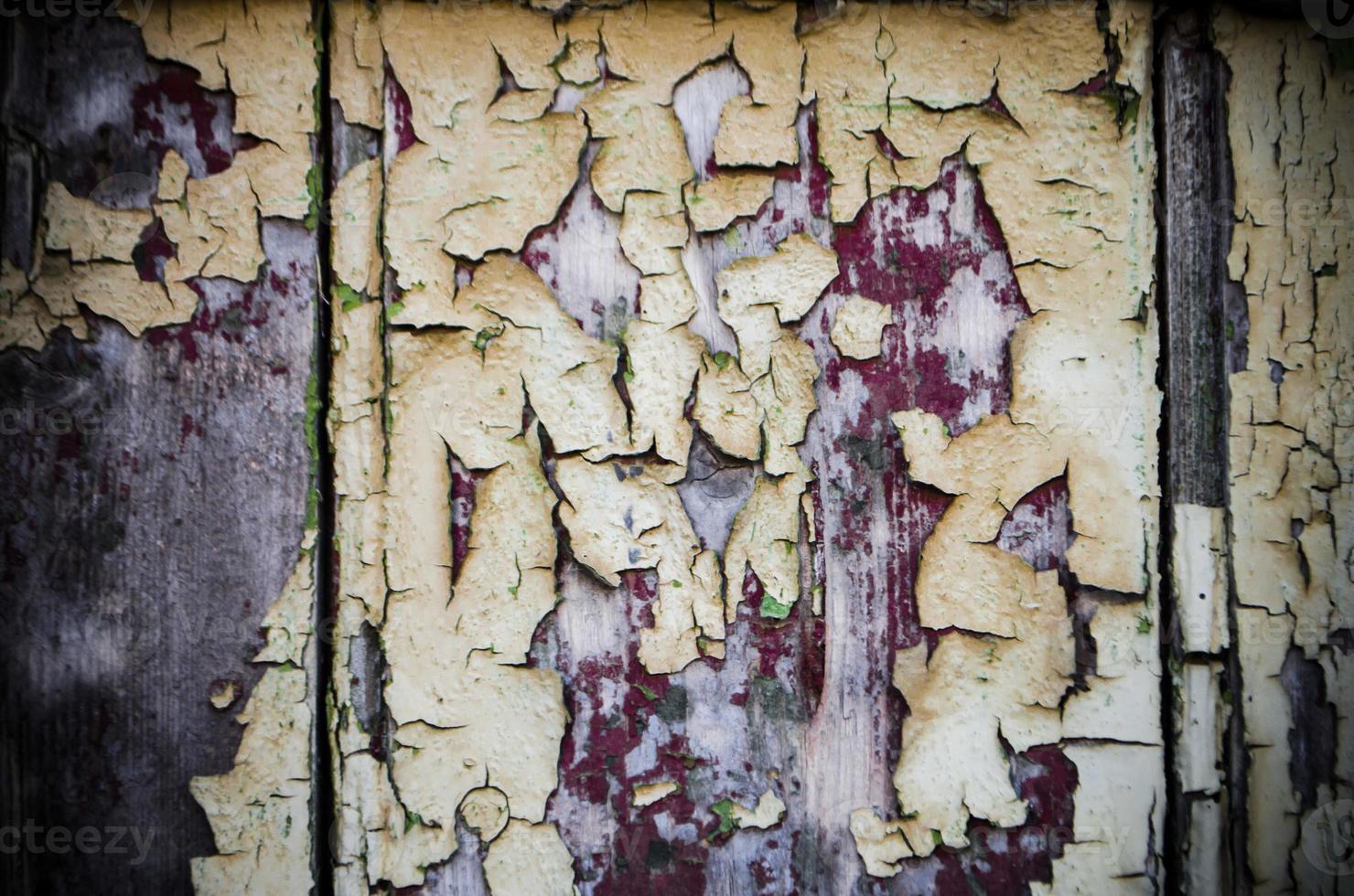 verwitterte Farbe auf Holz foto