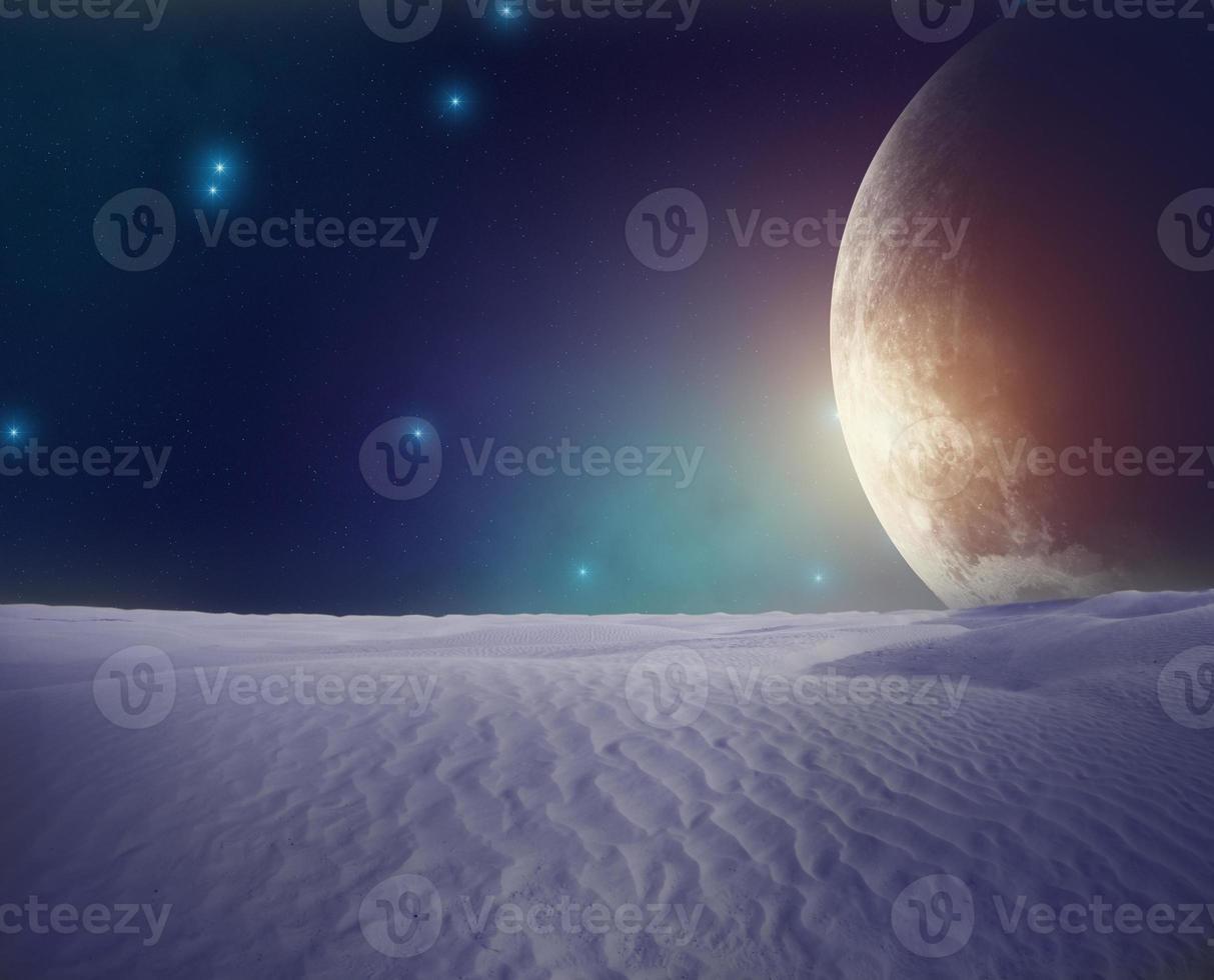 Planet von der mondähnlichen Oberfläche aus gesehen foto