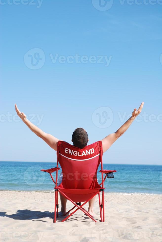 Mann genießt die Sonne foto
