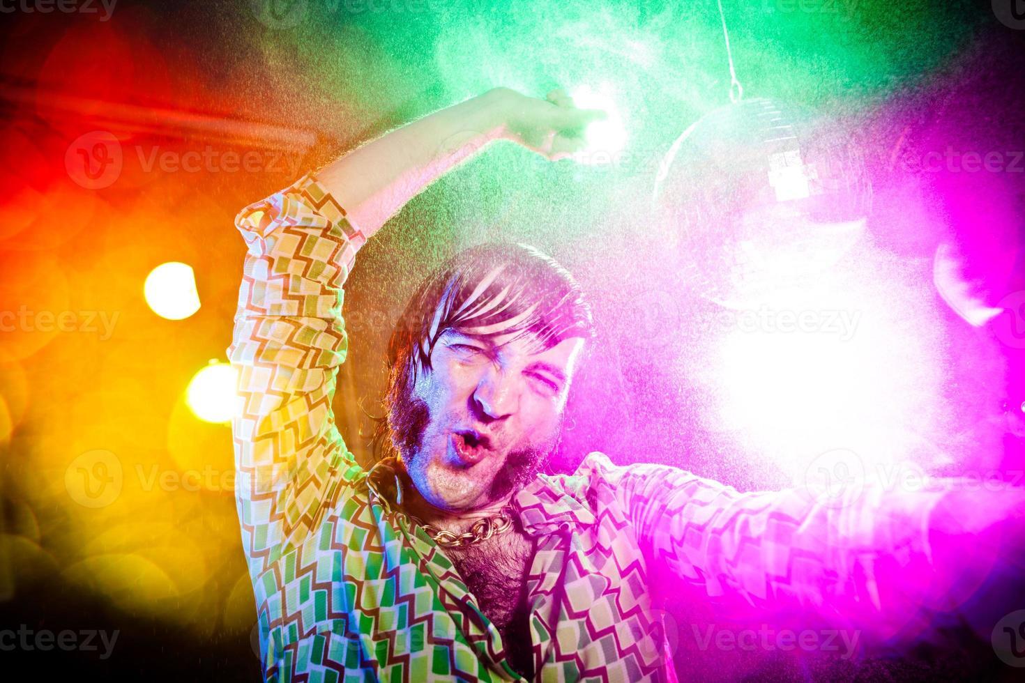 Disco Tanz Vintage Mann schreien, während Sie Party genießen foto
