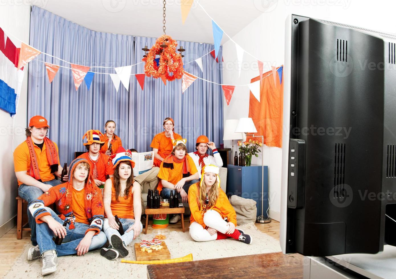 das Spiel zu Hause beobachten foto