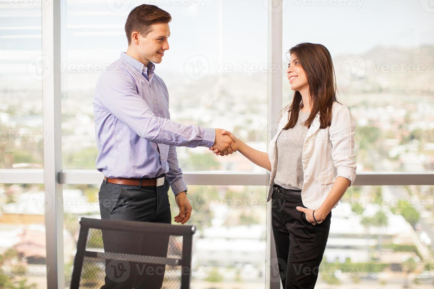 Treffen im Büro foto