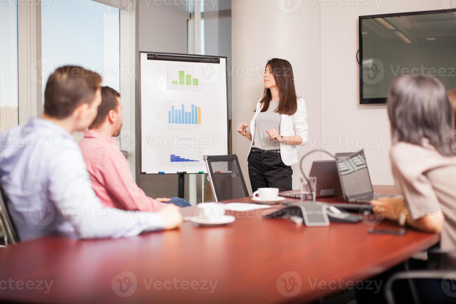 Arbeitsteam in einer Besprechung foto