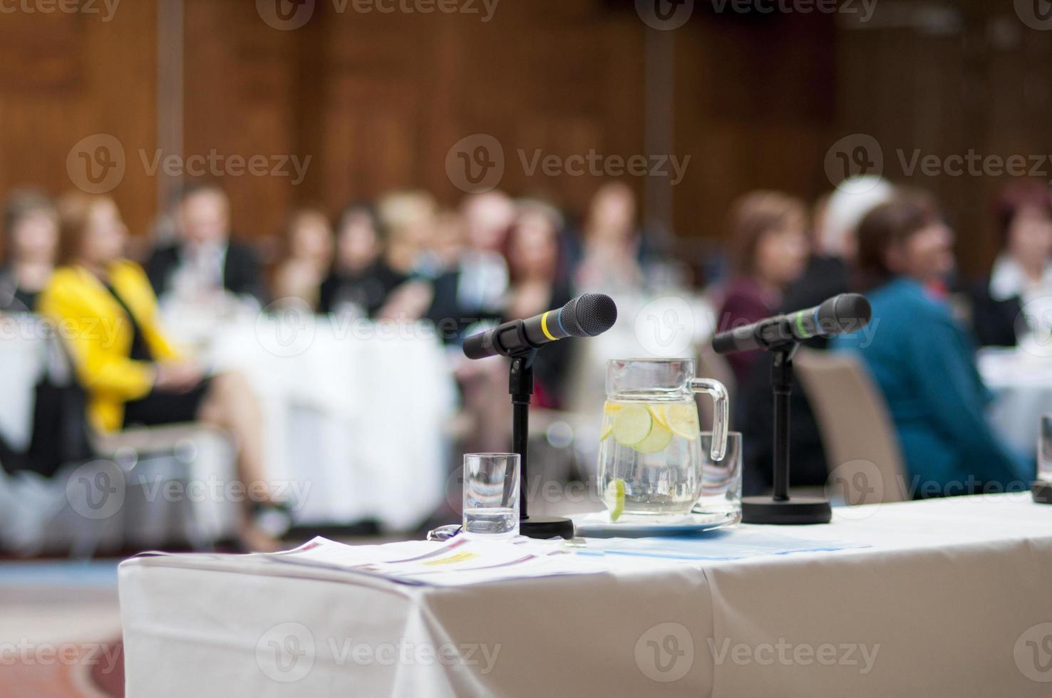 leerer Platz bei einer Geschäftskonferenz foto