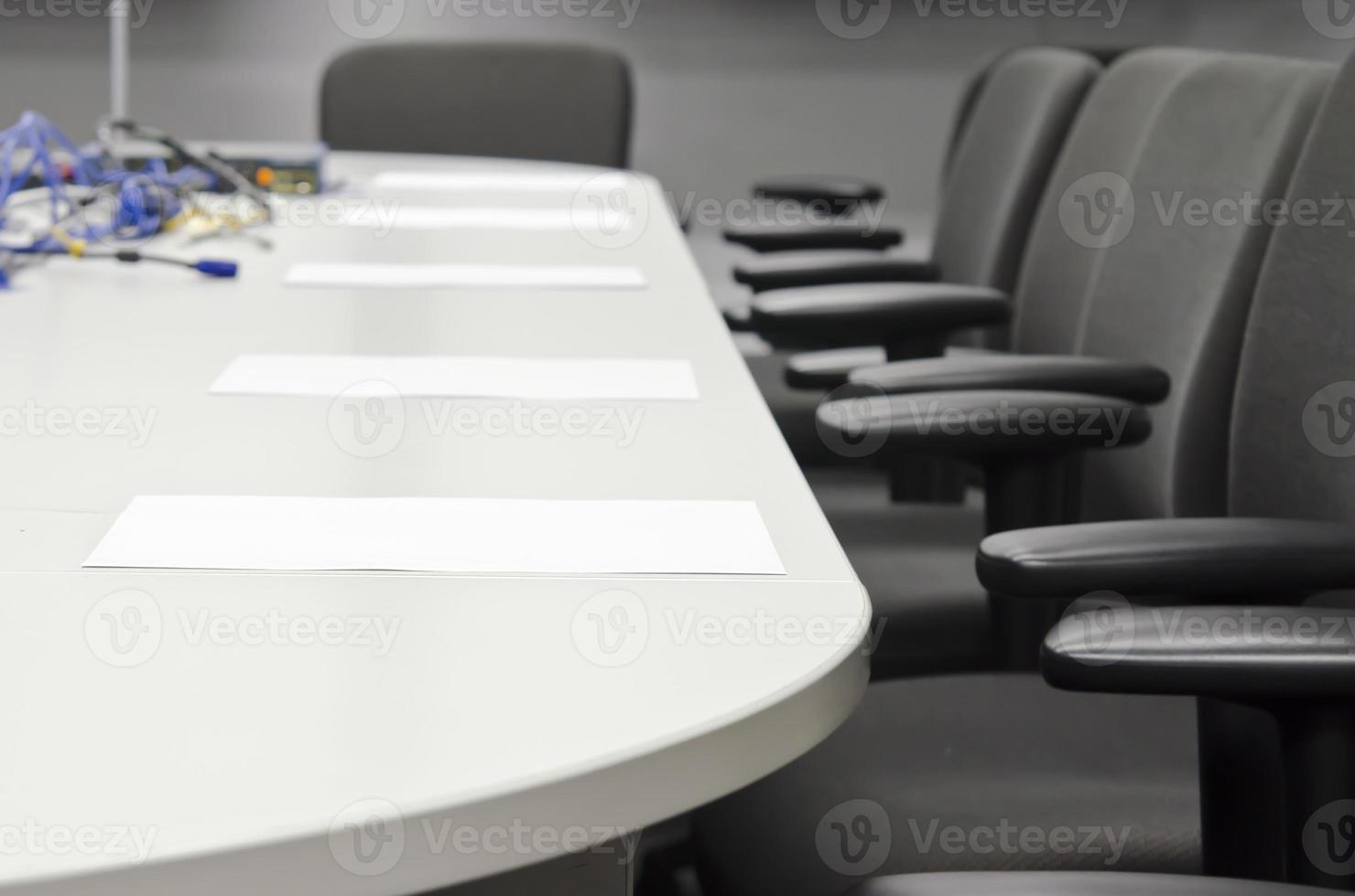 Vorbereitung des Konferenzraums foto