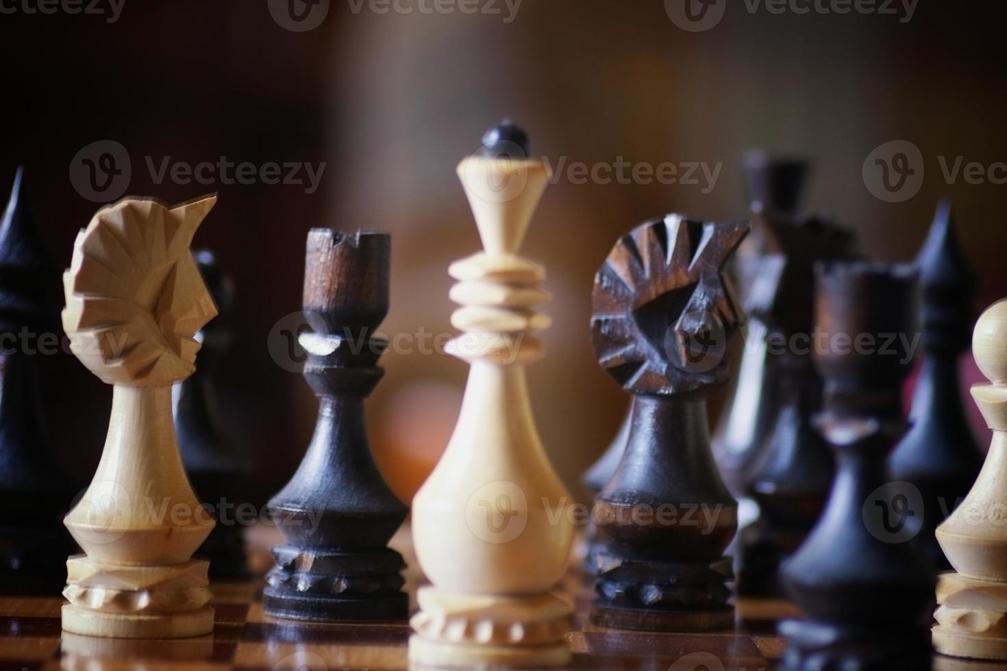 Schachbrettfigurenspiel Konfrontation foto