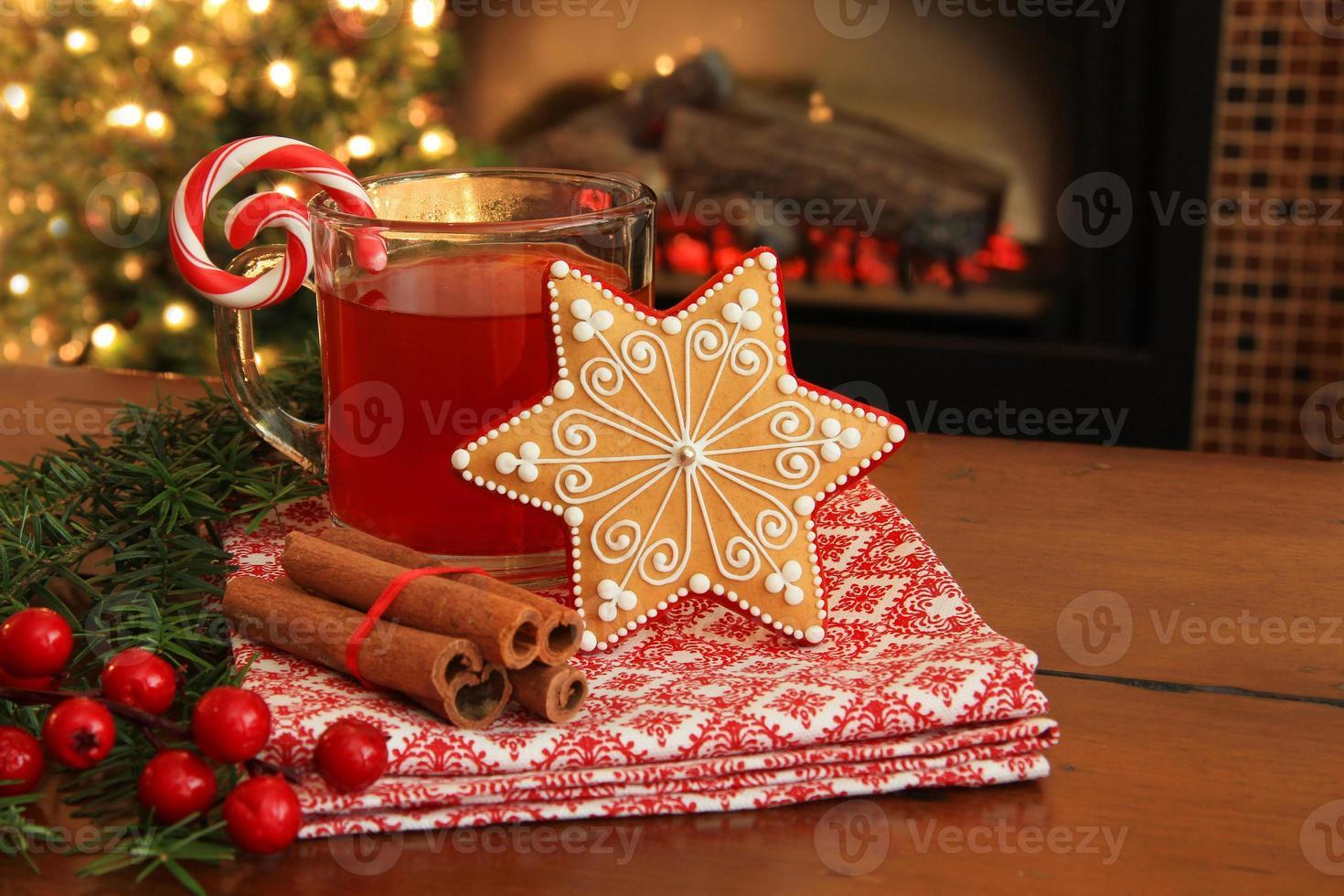 Weihnachtsplätzchen und trinken. foto
