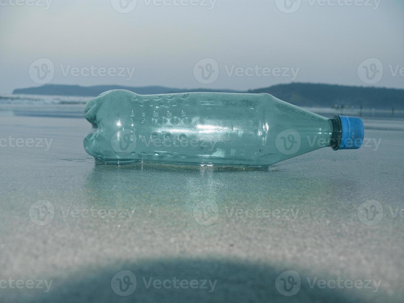 Flasche mit alkoholfreien Getränken foto
