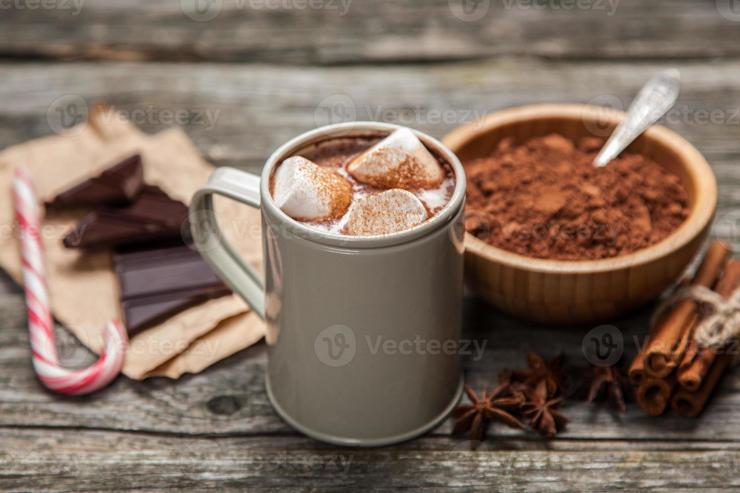 Kakaogetränk mit Marshmallows foto