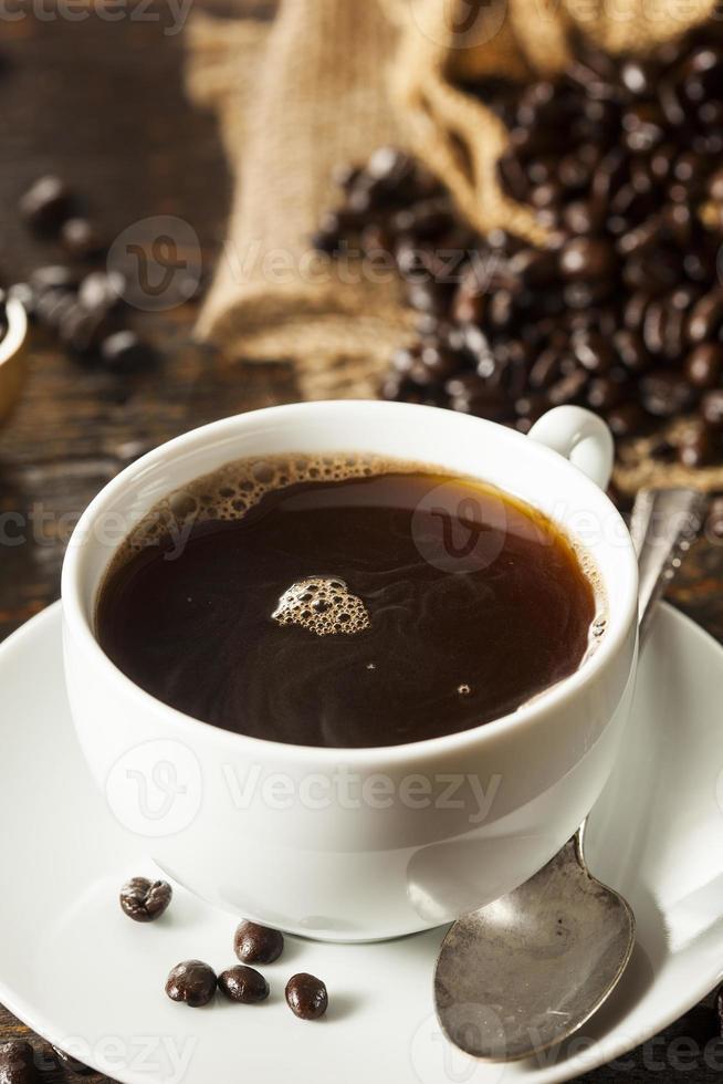 heißes hausgemachtes schwarzes Kaffeegetränk foto