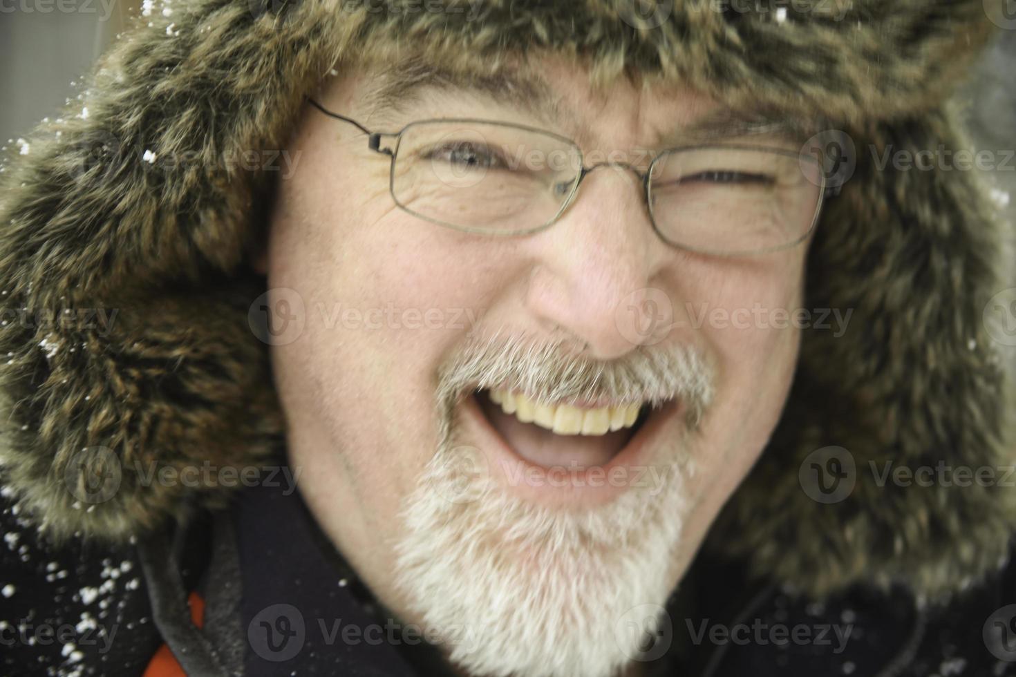 lachender bärtiger Mann, Wasaga Beach, Ontario, Kanada foto