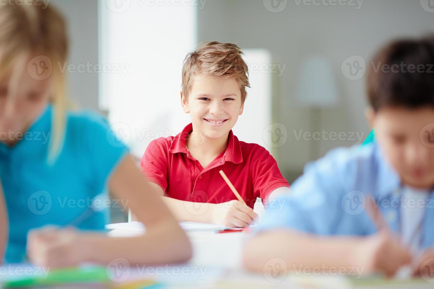 fröhlicher Schüler foto