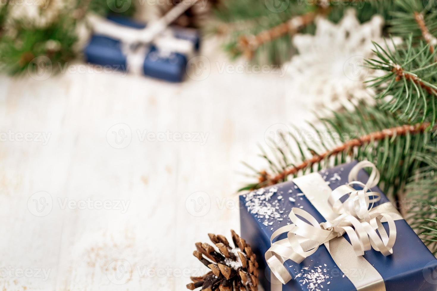 Weihnachtsgeschenkdekoration mit Kopierraum foto