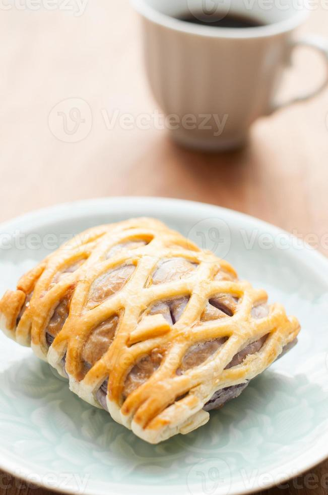 Taro Pie mit Kaffee, entspannend foto