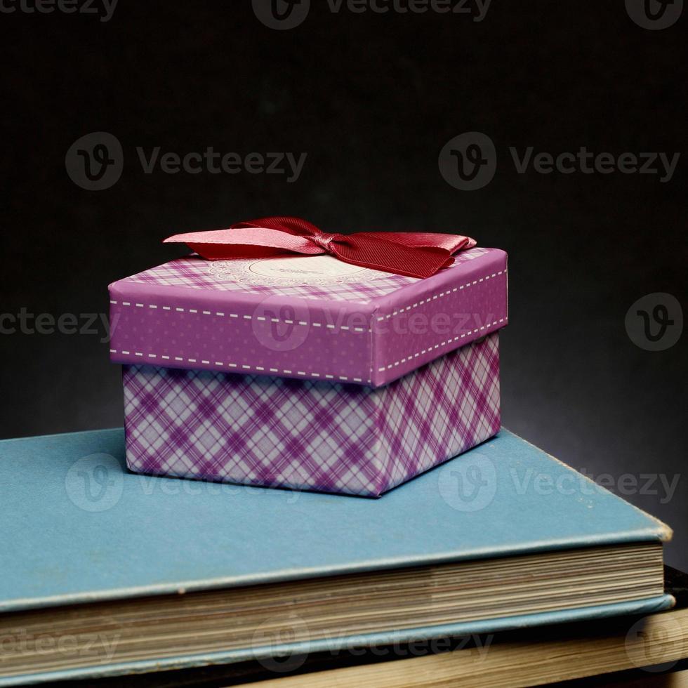 bestes Geschenk - ein gutes Buch foto
